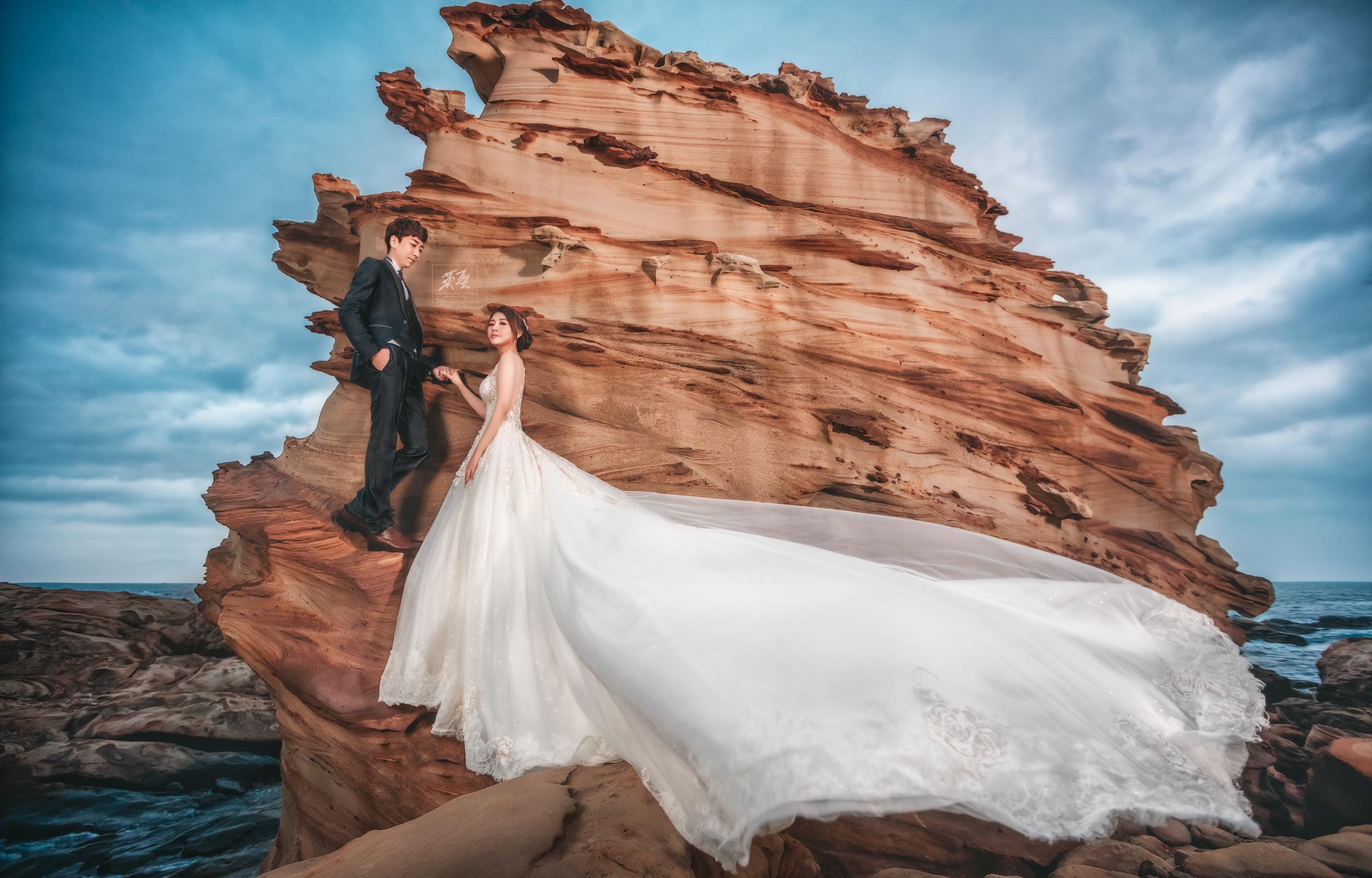 攝影: 婚攝英聖 Insan Photography 燈光: Kane Hsu 攀岩也可以一秒消失的消失哥 造型: Jessica Lin 婚錄: 哈利影像攝影工作室 HARRY IMAGE STUDIO