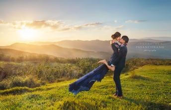婚攝英聖自主婚紗-幸福的屈膝抱